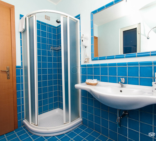 classic-room--v8364343.jpg