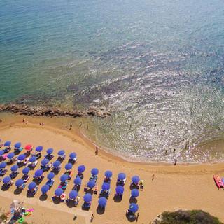 01 panoramica da spiaggia a villaggio.Im