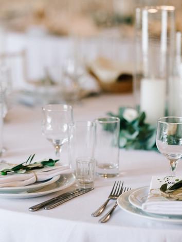 wedding-dinner-table-set-classy-white-de
