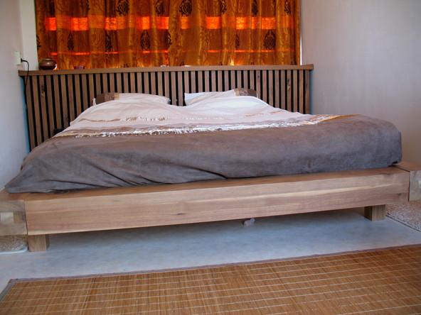 Bed Notenhout