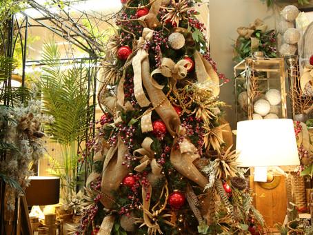A Vintage Modern Christmas Tree
