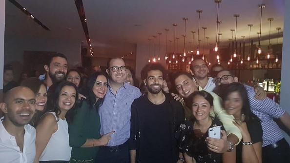 مطعم شهير بالقاهرة يحتفل بـ«محمد صلاح»