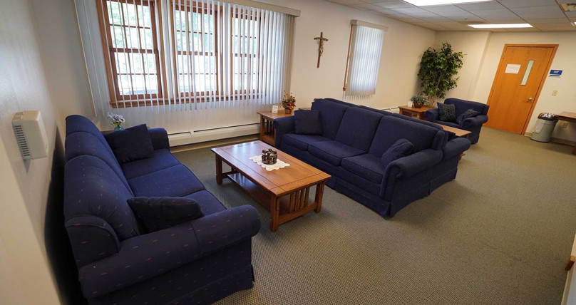 44-RedemptoristRetreatCenter-Lounge.jpg