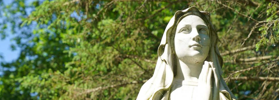 12-RedemptoristRetreatCenter-MaryStatue.