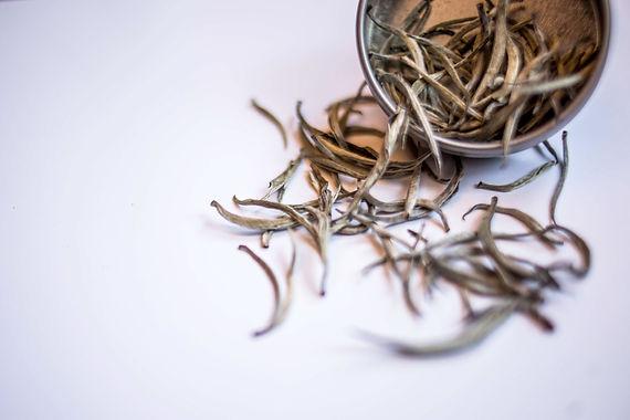 Chariteas_White-Tea-Bud_1.jpg
