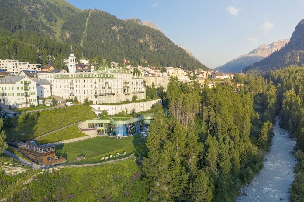 Grand Hotel Kronenhof Aussenansicht Somm