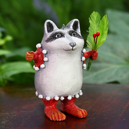 WOODLAND MINI ORNAMENT - Huck Raccoon
