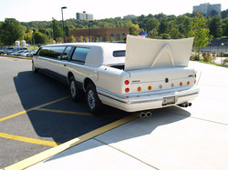Lincoln_UltraStretchLimo-9a