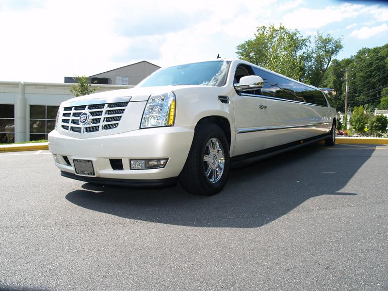 Cadillac_2008_EscaladeESV-5