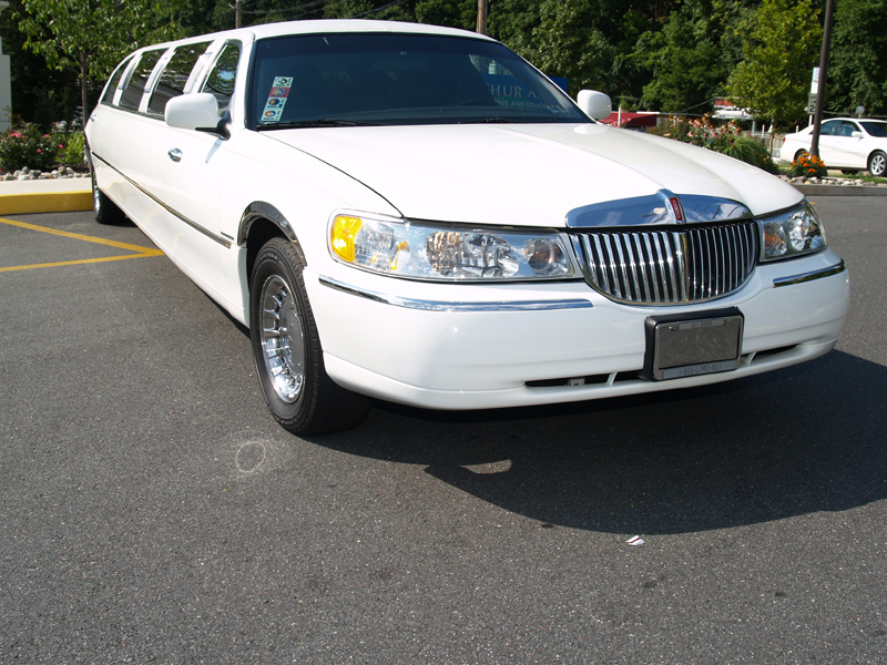 Lincoln_StretchLimo-4a