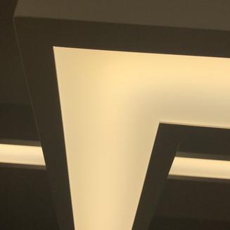 Hochwertige Verarbeitung, homogene Ausleuchtung mit Original Samsung LED Technik.