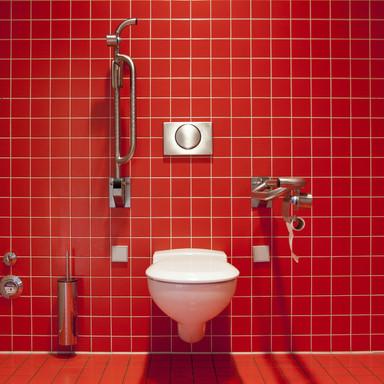 Behindertengerechte Toilette im Krankenhaus.