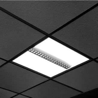 Sie haben eine Systemdecke und suchen passende Leuchten? Rufen Sie uns an, Telefon +49-89-122280830.