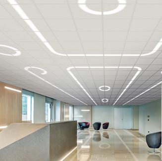 Große Räume interessant gestalten mit Licht. Serie Pure Line.