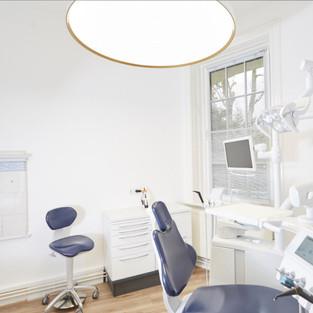 Behandlungs- und Umfeldbeleuchtung in verschiedenen Ausführungen
