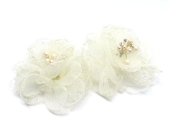 透紗珍珠蕊花朵
