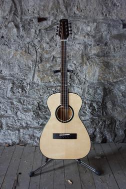 LG Guitar-bouzouki
