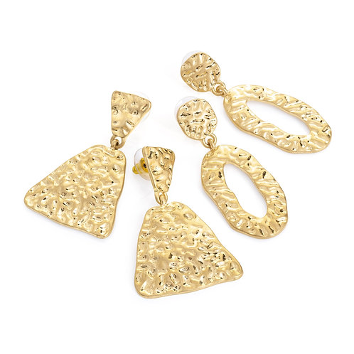 Two pairs worn gold colour drop earring set