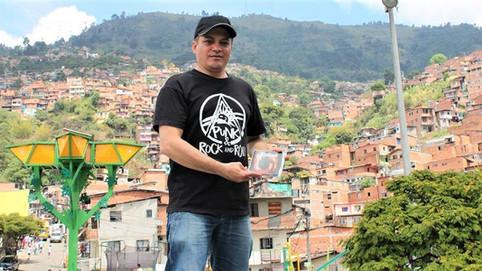 EL FOTÓGRAFO NO OFICIAL, de los conciertos de punk en Medellín.