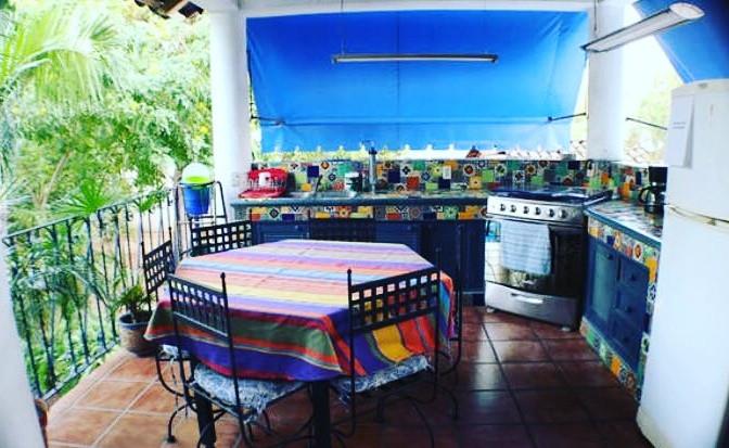 homestay kitchen.jpg