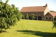 Exterior1-summer-barn.jpg