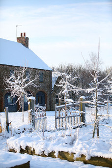 Exterior3-snow-gate-barn.jpg