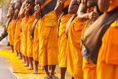 Les moines en Thaïlande