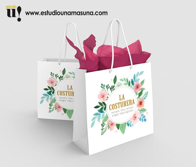 Diseño de logotipo y bolsas para tienda