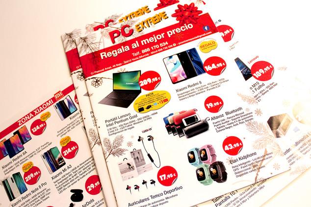Diseño de revista de ofertas navideñas