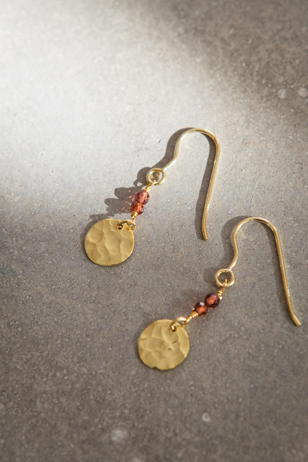 Coin garnet earrings