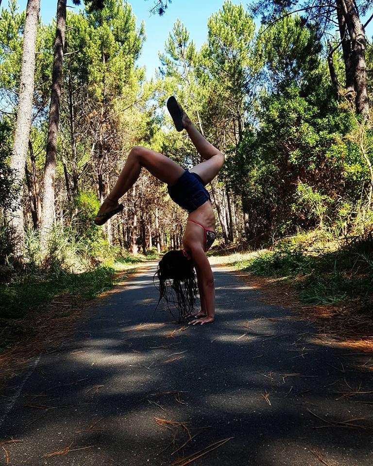 variation handstand