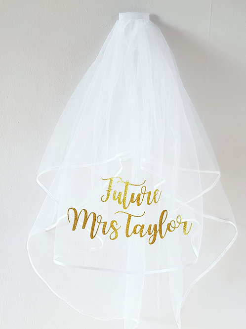 personalised hen party veil gold