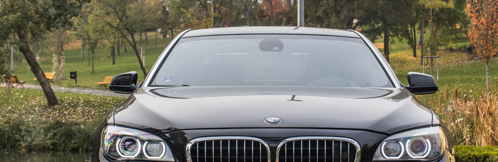 BMW 7- F02