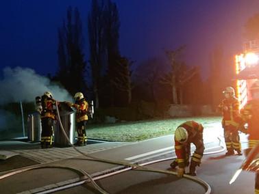Brand-klein, Oberkirchstrasse, Starker Rauch aus Unterfluhr-Container