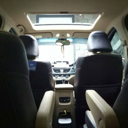 Captain Seat With Sunroof