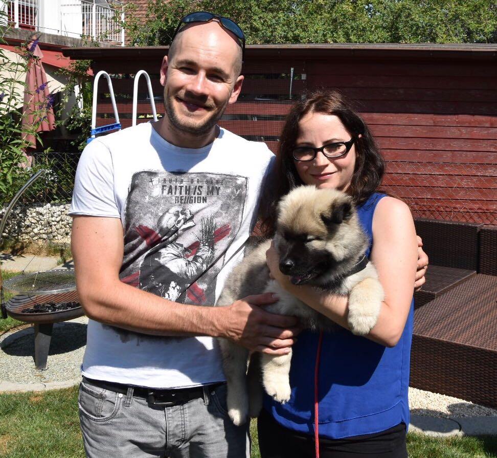 Ares mit Ihrem Besitzer Andreas + Freundin Stephany aus dem Thurgau