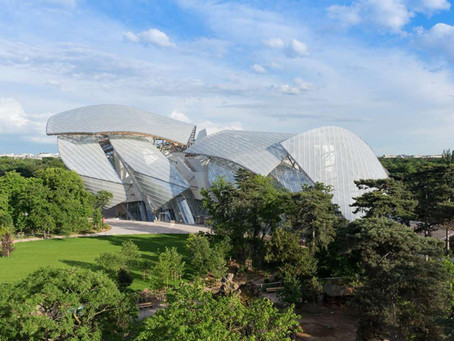 Contemporary Chic. Louis Vuitton Foundation Paris