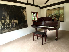 Piano moving service in Norfolk