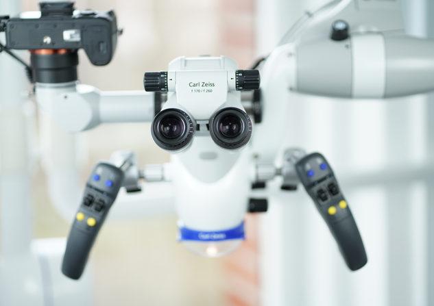 dentalmikroskop-zeiss-proergo.jpg