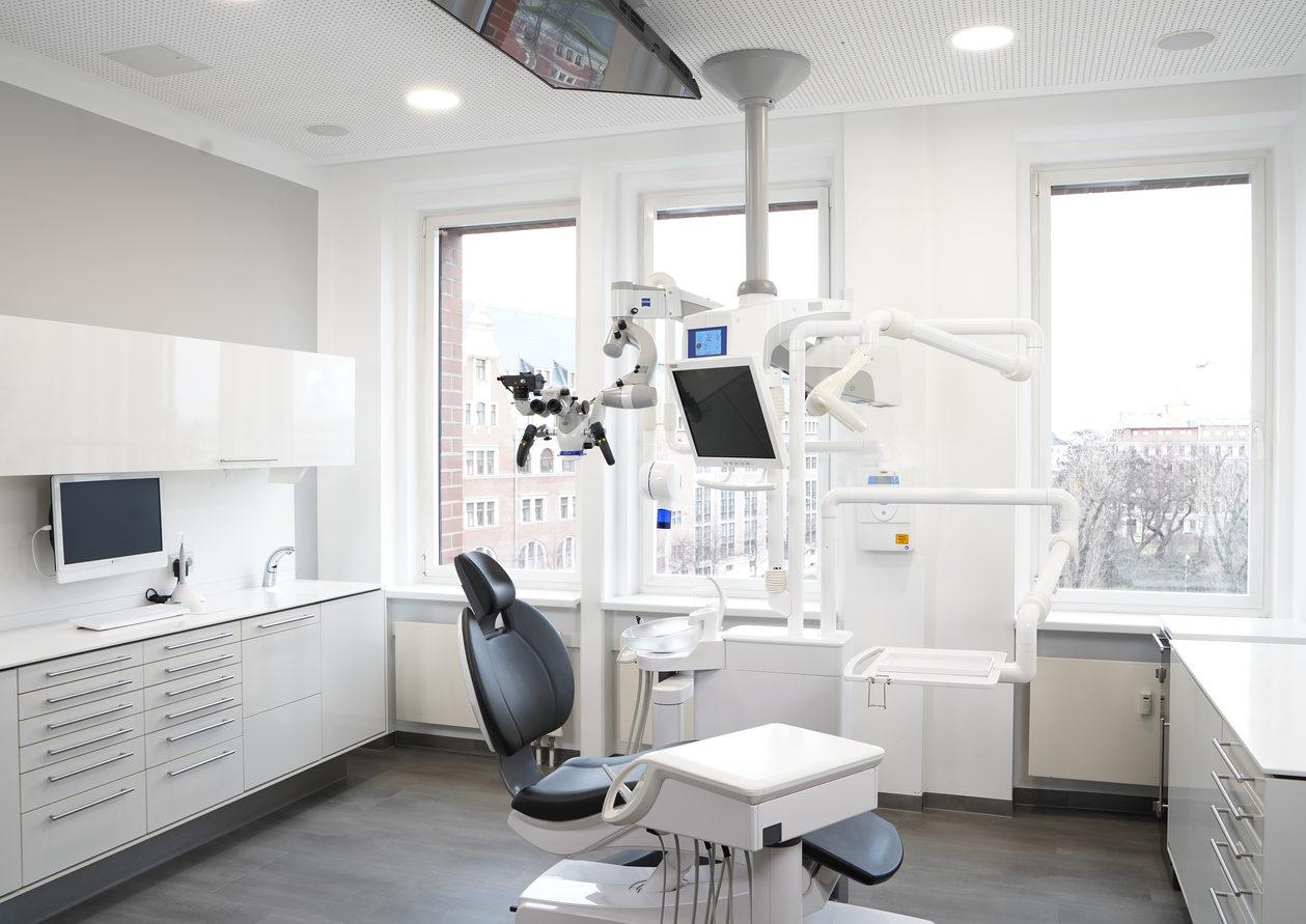zahnarzt-leipzig-behandlungszimmer.jpg