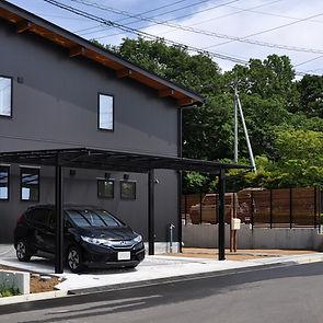 2台分のフラット屋根のカーポート
