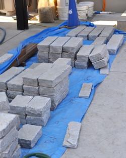 インド産の石灰岩 積み用 厚みで仕分け