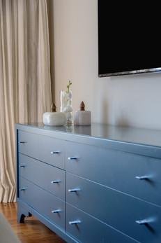 Detalhe cômoda azul