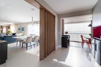 Divisória parcial entre cozinha e sala