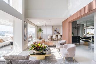 Apartamento duplex com mix de decoração