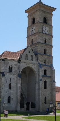 So alt wie Notre-Dame