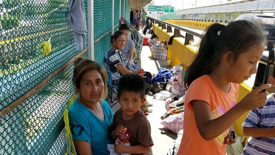 S1_Texas-US-border-crossing.jpg