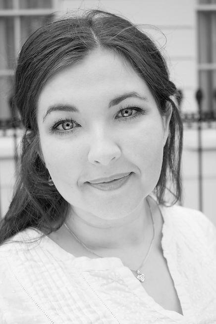 Amy Strachan Soprano, Headshot, Scottish Singer, Singing Teacher