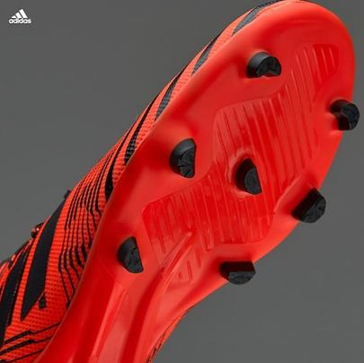 נעלי כדורגל לדשא קרקע קשה