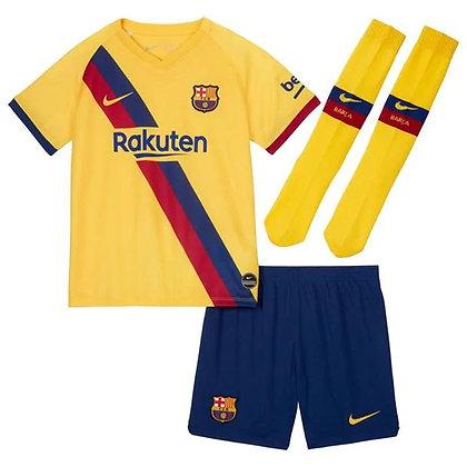 חולצת כדורגל לילדים קטנים ברצלונה חוץ 19/20 - giantballs.co.il